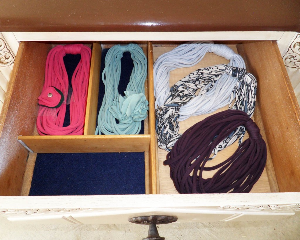 DalesCraft Buffet Top Drawer with Necklaces